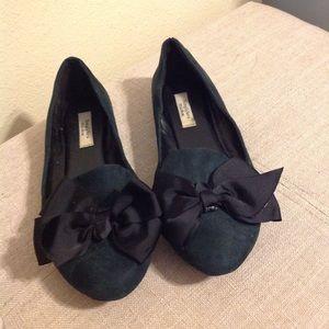 Simply Vera Wang Green Flats with black bow  Bow 8